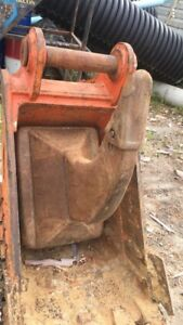 35t excavator buckets and quick hitch package