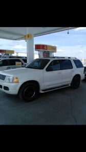 2003 Ford Explorer limited.