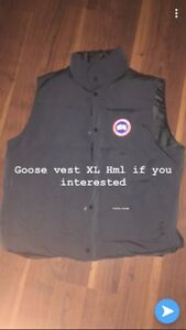 Canada goose vest XL/Fits like a Large (mint condition)