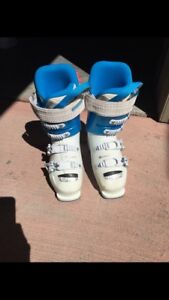 Lange 23.5 ski boots