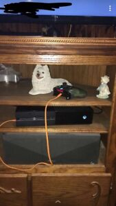 Xbox One 1TB Wireless Custom Controller and 3 Games