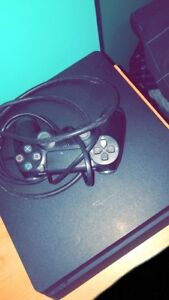 Selling ps4  (PlayStation 4)