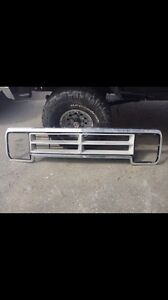Dodge D150 Truck Grille & side mirrors