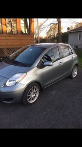 4 DOOR 2011 TOYOTA YARIS MINT CONDITION