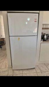 White Lg fridge freezer 515 Litre