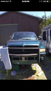 1998 Dodge Ram 1500(318) Sport. Selling parts or truck as is