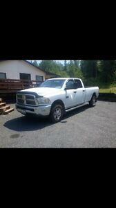 2011 Dodge Ram 2500 4x4 long box  hemi