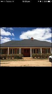Room available on lil Horse Property. $ 900 p/m plus bills. Romsey Macedon Ranges Preview