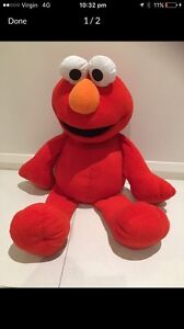 Super Large Elmo Doubleview Stirling Area Preview