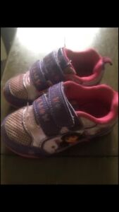 boys and girls footwear size 6