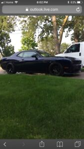 2016 Challenger r/t LOW KMs