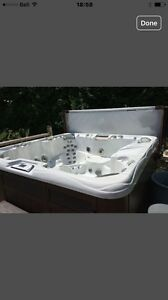 Sundance Optima,  7 seater hot tub, spa 7 places West Island Greater Montréal image 1