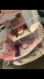 Barbie doll dream house!