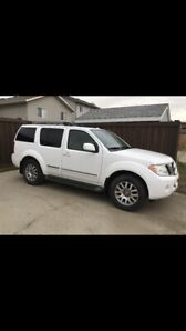 2011 Nissan Pathfinder LE 87000kms only amazing condition