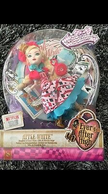 Ever After High Apple White Way To Wonderland BNIB Xmas Gift