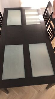 6 Seat Dining table