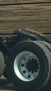 Holland 70 ton fifthwheel