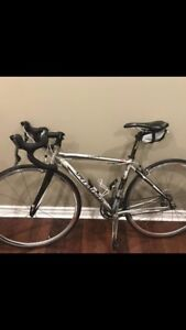 Specialized Road Bike - Fully tuned up and in perfect condition
