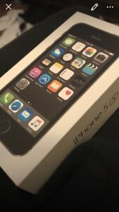 16gb brand new iPhone 5s unlocked to Koodo with accessories