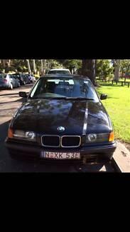 Black 1994 BMW 318i Sedan Auto 4 Door