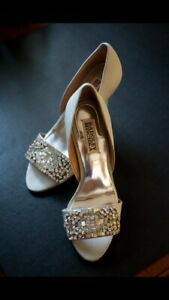 Badgley Mischka Size 6
