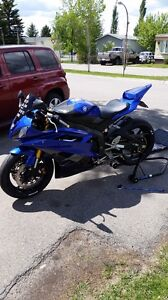 Yamaha R6 with extra parts and accessories