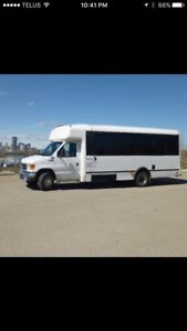 Ford E450 20 Seat Bus- EXCELLENT CONDITION