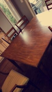 Dining set (Ethan Allen) 8 chairs included (table extends)