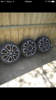 18 inch Holden mags wheels pdw 3 only in good condition