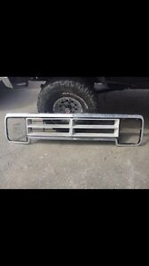 Dodge D150 Truck grill and side mirrors