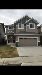 Pet friendly 4 bedroom house airdrie aug 1st