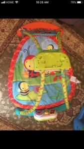 Playmat Bright Starts excellent condition