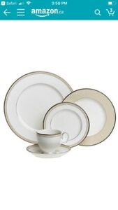 Brand new 8x 5 piece Noritake fine china dinner sets