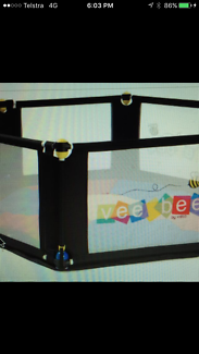 Brand new veebee 6sided play pen