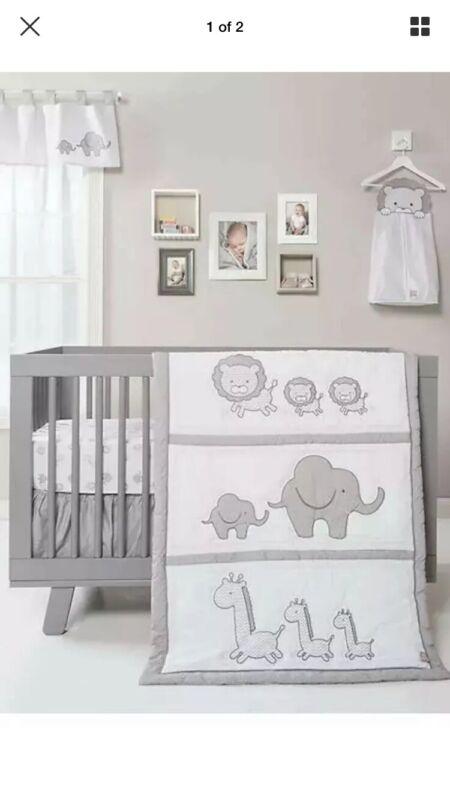 New Trend Lab Safari Chevron 3 Pc Crib Bedding Gray/White -elephant lion giraffe