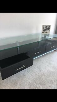 Tv cabinet glass top
