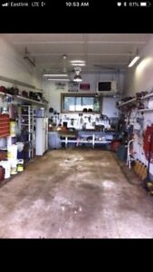 Garage bay for rent. Pwr and Air cond incl. herring cove