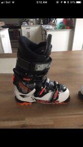 Salomon Ski Boots 24.5