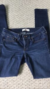 4 pairs girls Hollister jeans sizes 0-1