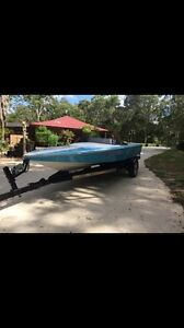 Lewis Fireball ski boat. IMMACULATE!!!!!!! Medowie Port Stephens Area Preview