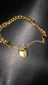 Gold Heart Locket Bracelet. (not an actual locket) Kingswood Penrith Area Preview