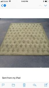 Green wool mat