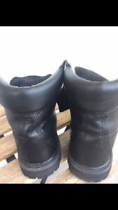 Woman's timberlands  boots size 8