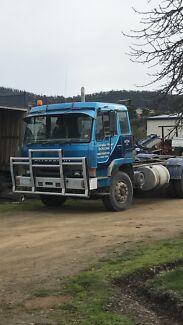 Mitsubishi truck fv418
