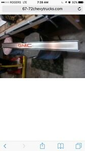 Looking for 73-87 gmc tailgate band