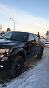 2014 f150 fx4 85,000km clean fully loaded truck!