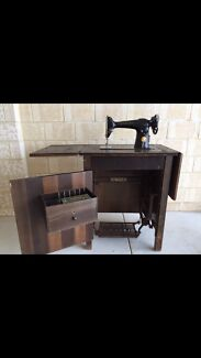 Antique Singer sewing machine for sale Baldivis Rockingham Area Preview