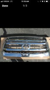 Grill Toyota chrome grill and bulge 2017