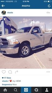 2010 Dodge Ram 4x4. 5.7 HEMI  FOR SALE