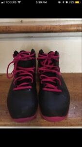 Under Armour Size 6